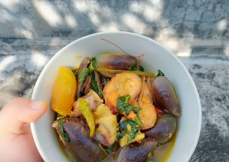 Mix seafood woku