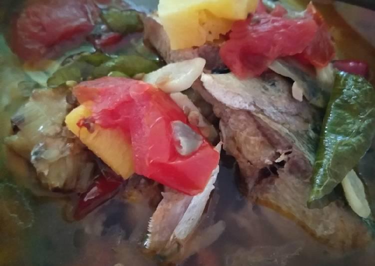 39. Sop Kepala Ikan Kuah Tomas (tomat Nanas)