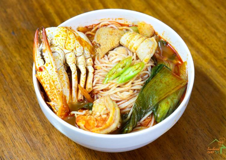 Recipe of Perfect Jjampong (Korean Spicy Seafood Noodle Soup)