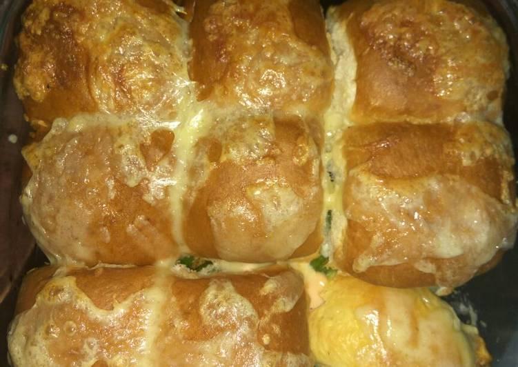 Cheesy pullover buns
