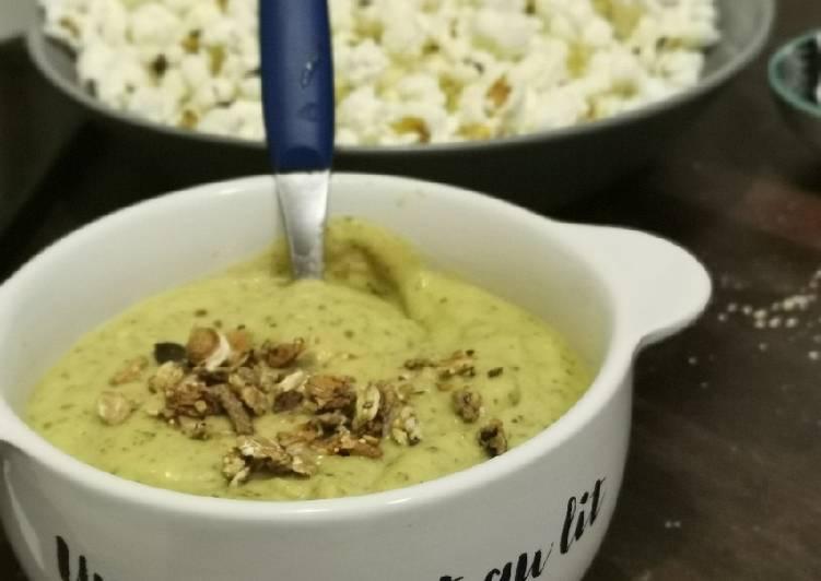 Nos 5 Meilleures Recettes de Velouté froid de courgettes au lait de coco