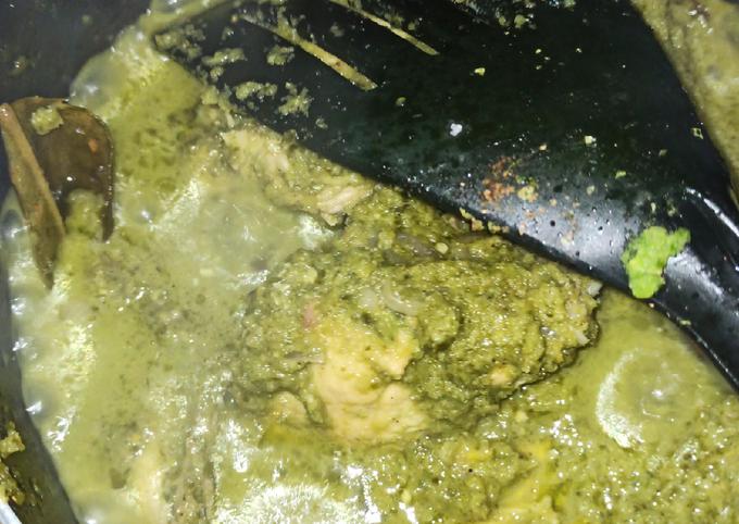 Ayam lado hijau koto gadang (ayam cabe hijau)
