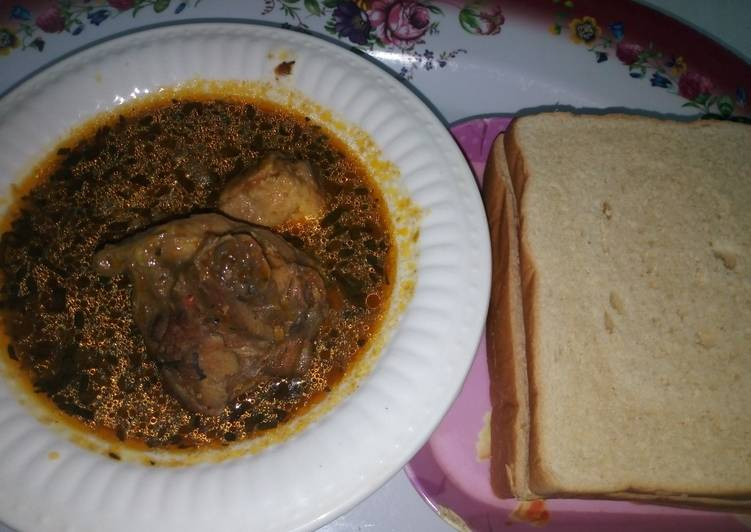 Bread with Turkey Pepper Soup