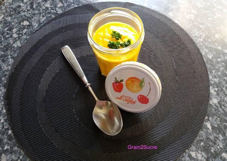 Velouté froid de carottes, céleri et orange
