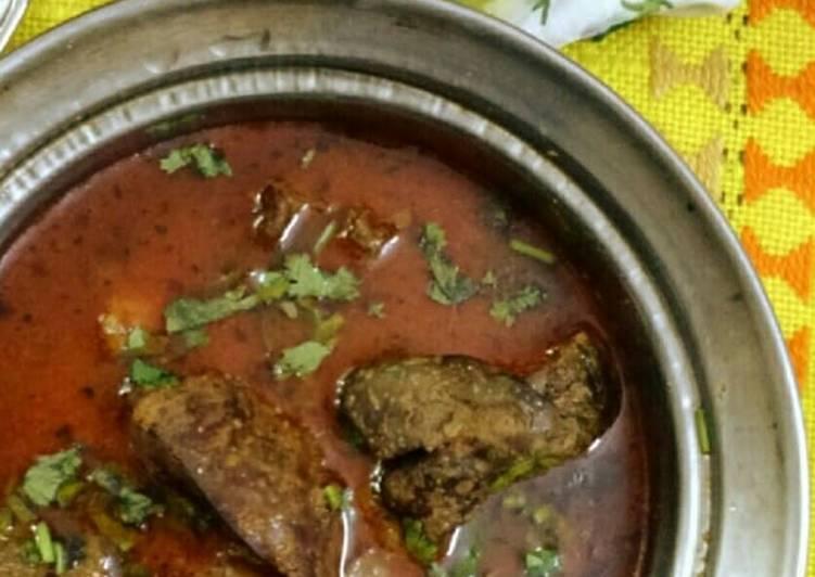 Chicken kaleji with gravy