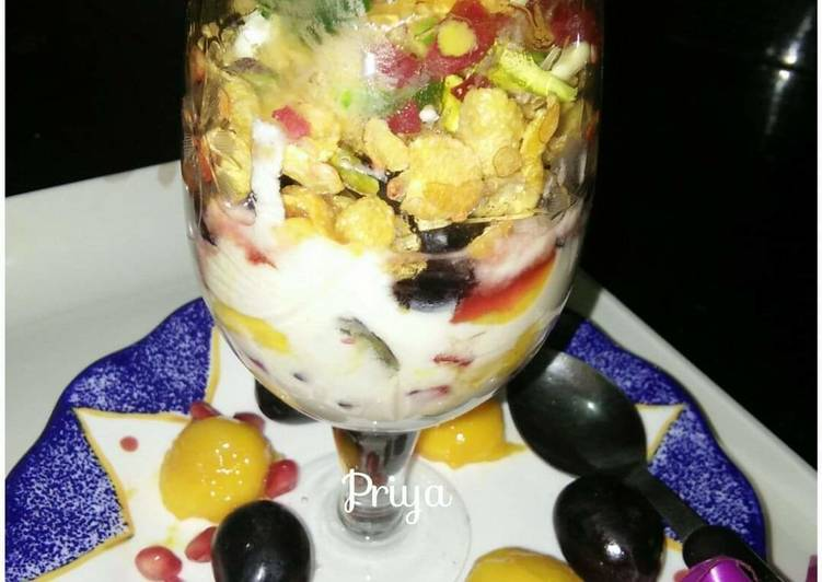 Cornflakes and fruits smoothie