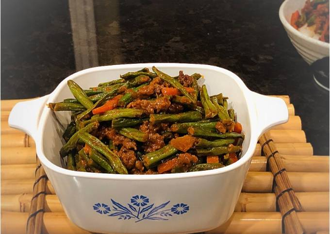 Stir Fry Green Bean Carrots and Ground Beef (With Gochujang Paste)