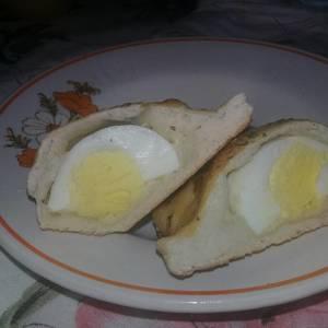 Pan de huevo hervido con queso - Pan Salado