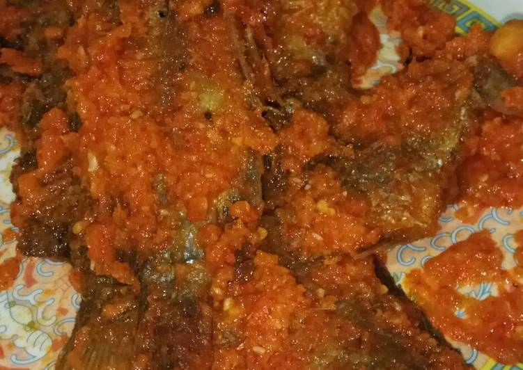 Ikan mujair saos tomat
