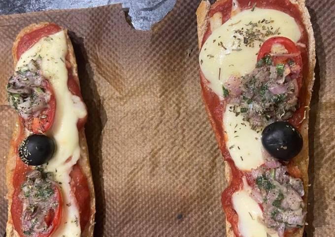 Une pizza sur baguette