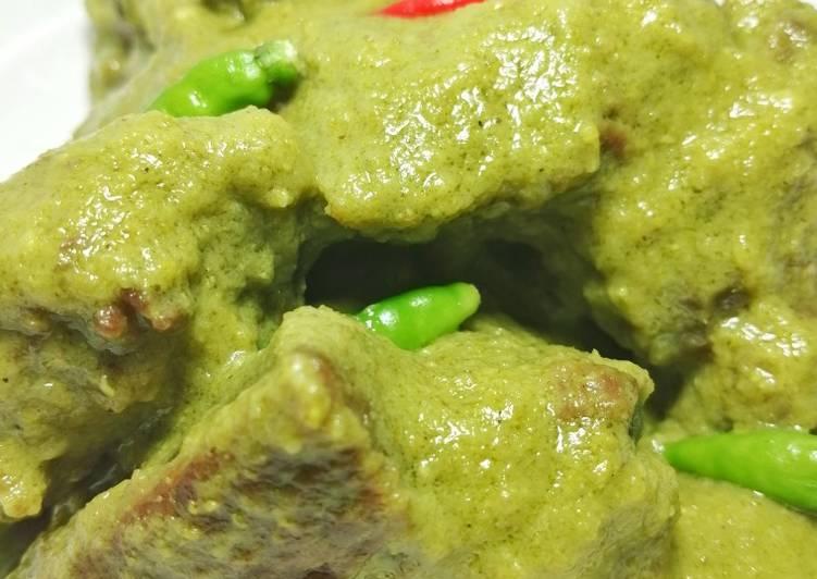Kare daging cabe hijau