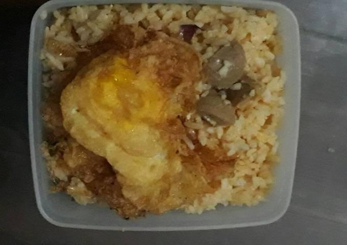 Nasi Goreng Bawang plus telor dan bakso