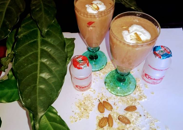How to Make Super Quick Homemade Chocolate, Oats, Apple, Crumble Smoothie