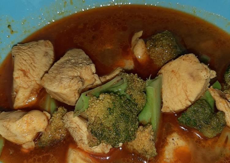 Kari ayam brokoli