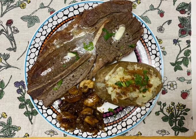 Steak w/ Potato and Mushrooms