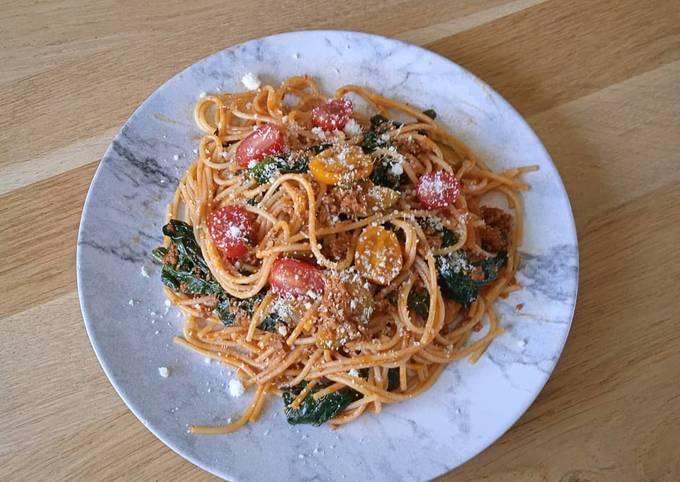 Spaghetti bolognaise épicée épinards courgettes