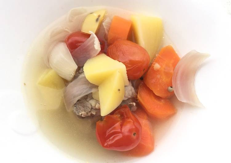 Simple Way to Prepare Award-winning Potato And Carrot In White Pepper Pork Soup