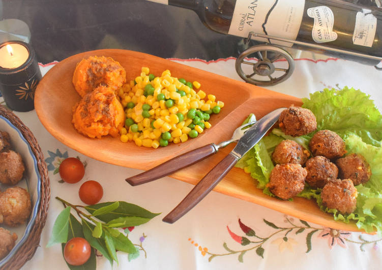 Cheesy meatballs with mashed sweet potato and mixed veggies – Twisted Cookbooks
