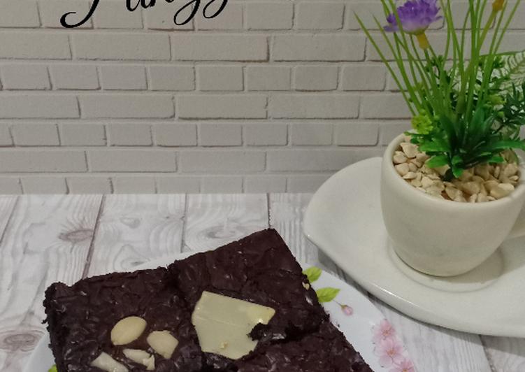 Brownies Panggang shiny crust
