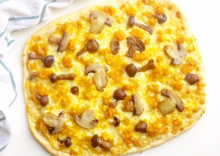 Ricetta Pizza con crema di zucca e funghi