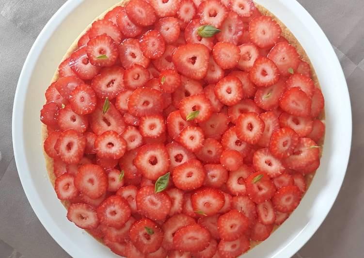 Recipe of Perfect Tarte au citron, basilic et fraises fraiches