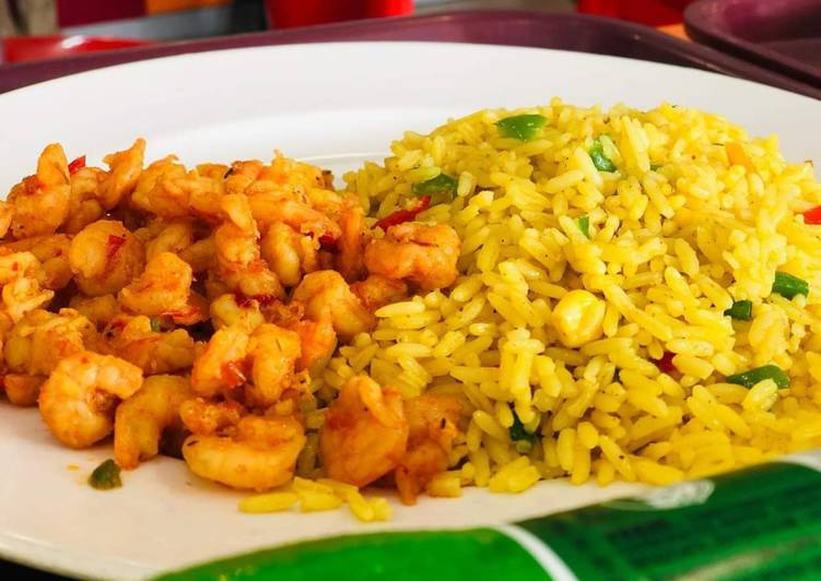 Easy Comfort Dinner Ideas Super Quick Homemade Fried rice with prawns