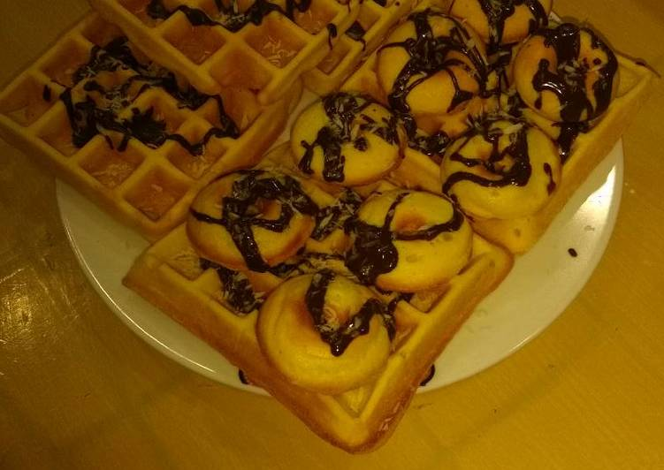 Crisp fluffy waffles