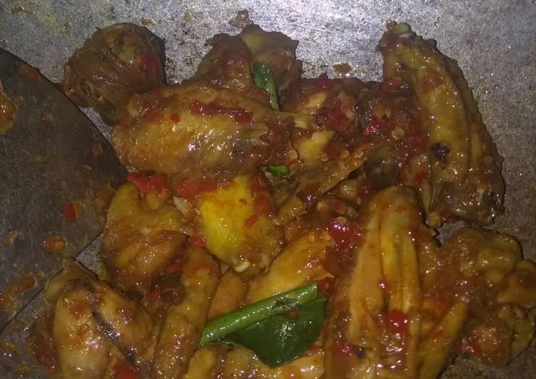 Cara Gampang Menyiapkan Sayap Ayam goreng Balado Anti Gagal