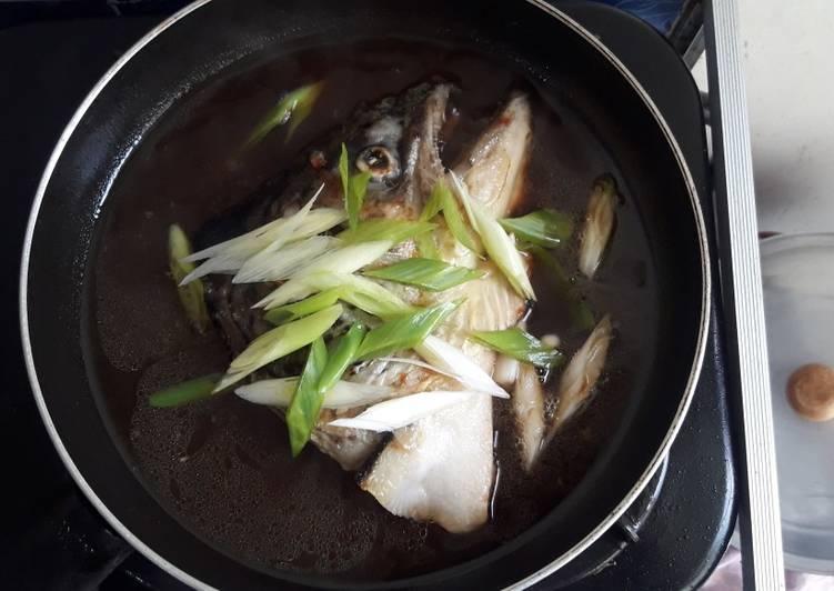 Kepala Salmon Saus/kuah Jepang