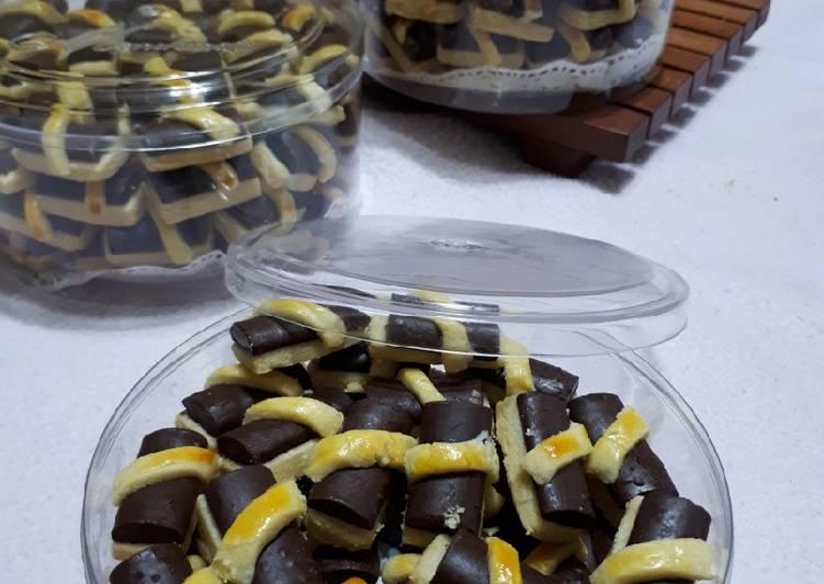 Langkah Mudah untuk Membuat Cookies Coklat Stik, Sempurna