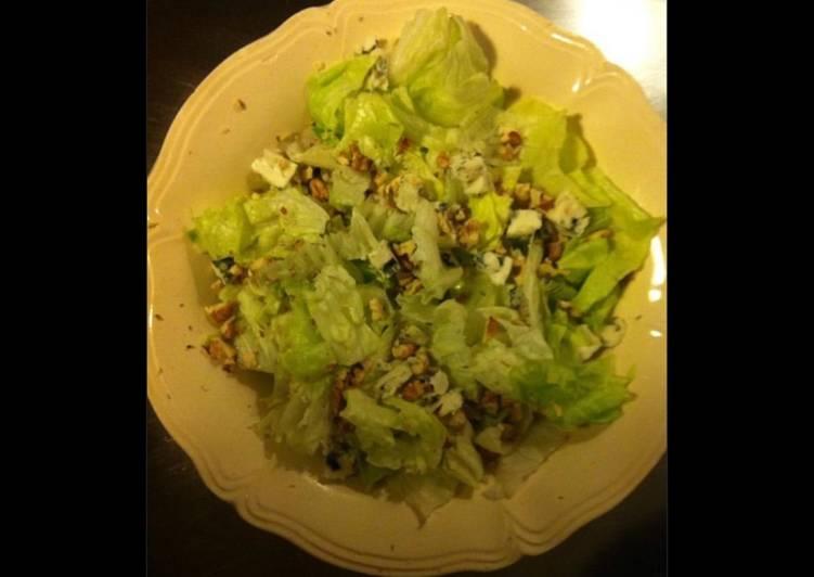 Nos 10 Meilleures Recettes de Salade de romaine au roquefort et noix du jardin