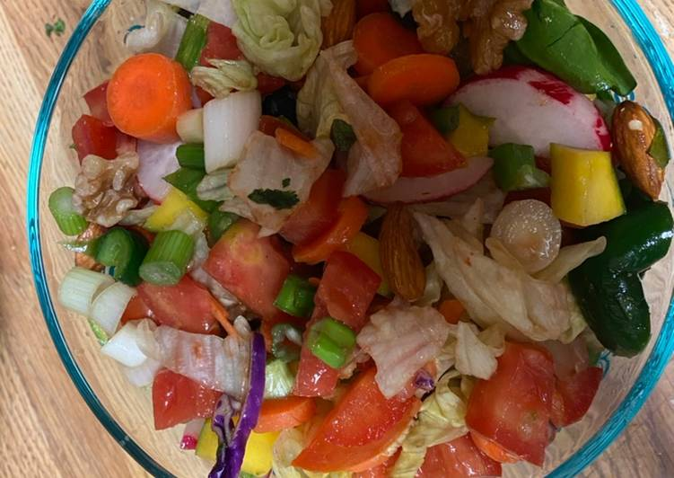 Walnut veggies salad