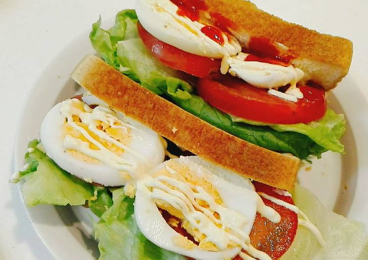Sandwich Lettuce Telur Tomat - Sarapan Pagi Segar