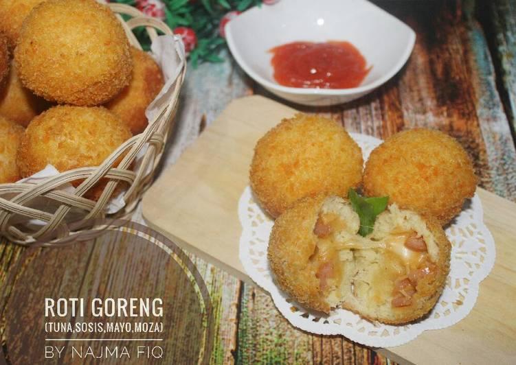 Roti goreng (isi tuna mayo sosis moza)