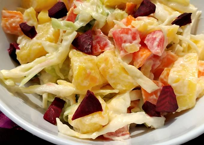 Potato salad with beetroot