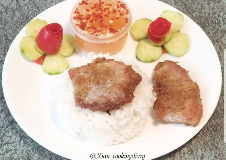 Recipe: Delicious Vietnamese lemongrass Pork Chops (Thit Heo Nuong Xa)