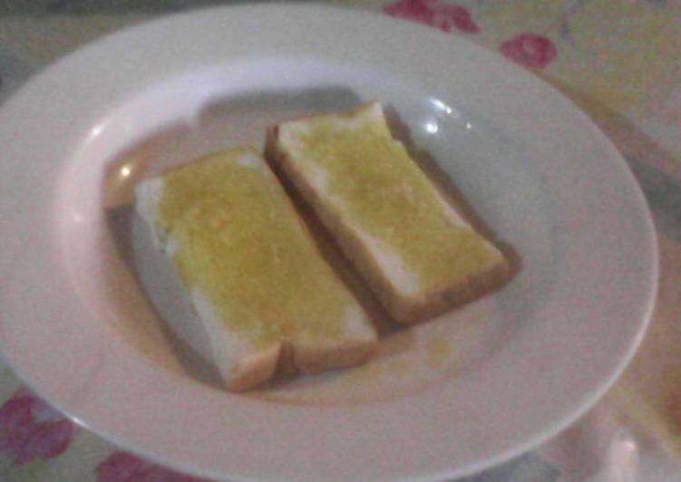 Garlic Bread without parsleis how to make easily and deliciously
