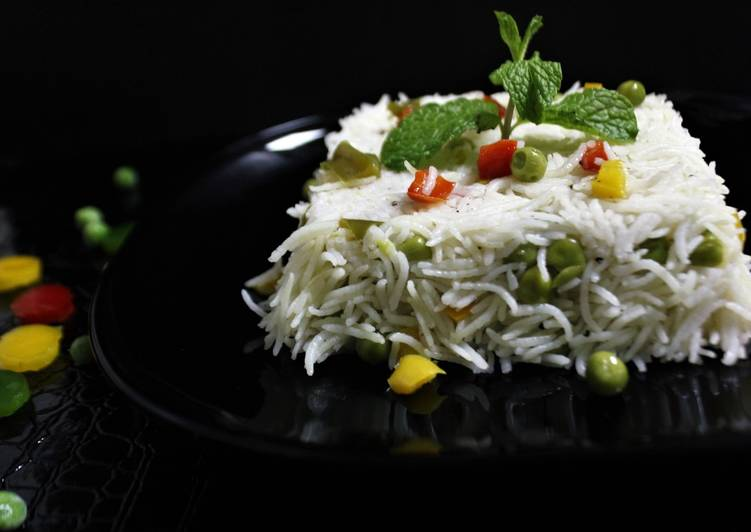 Recipe of Favorite Roz Abiad Bil Bazela (Lebanese)