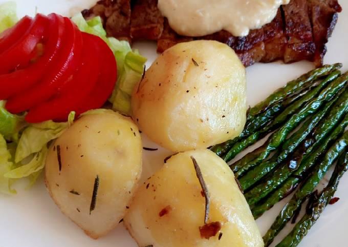 Sirloin steak with roast potatoes