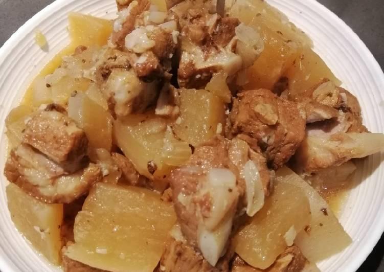 Radish Pork Ribs Stew