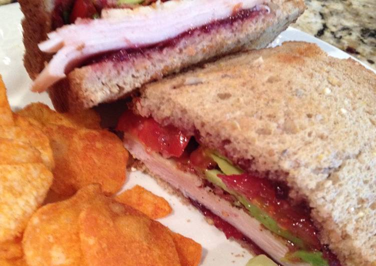 How to Prepare Tasty Turkey, Bacon, Cranberry, Avocado Sandwich