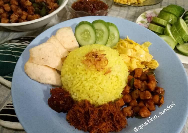 141. Nasi Kuning Rice Cooker - cookandrecipe.com