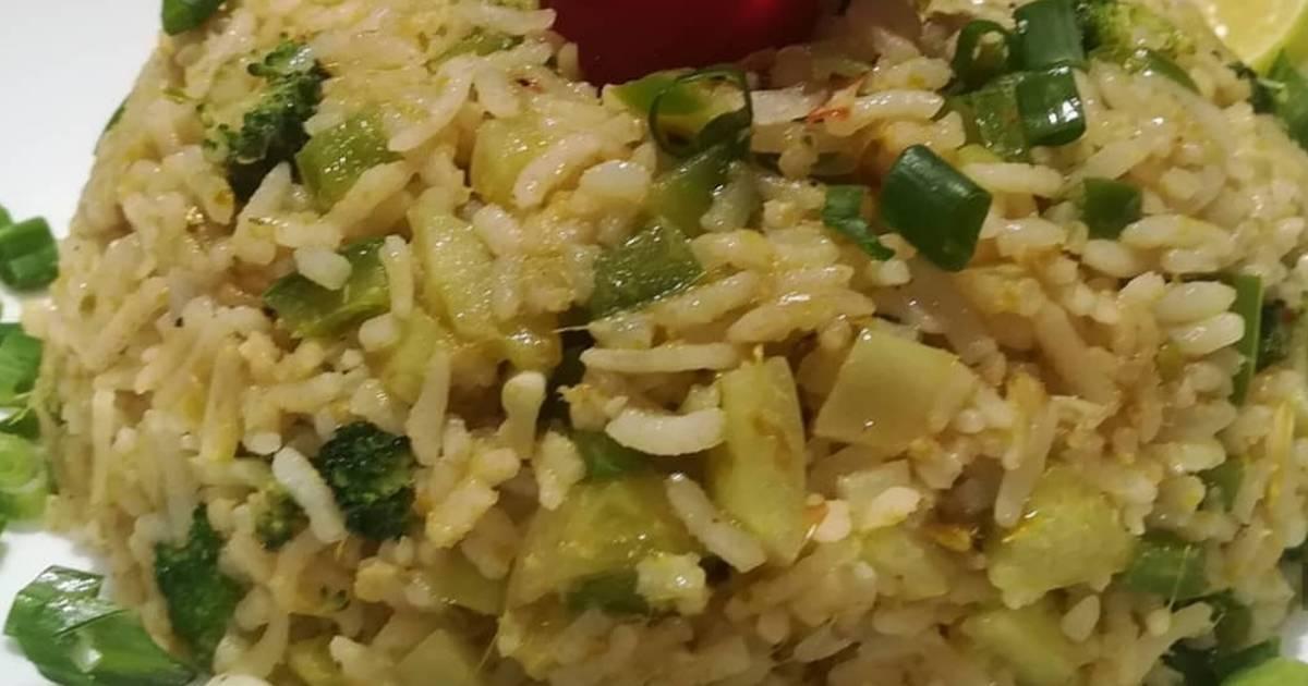 Thai Green Curry Fried Rice Kao Pad Gang Keaw Waan Recipe By Kripa Bhatia Cookpad
