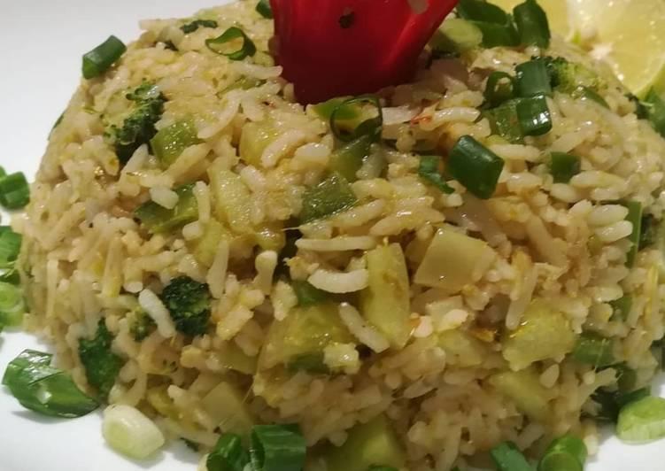 Thai Green Curry Fried Rice (Kao Pad Gang keaw Waan)