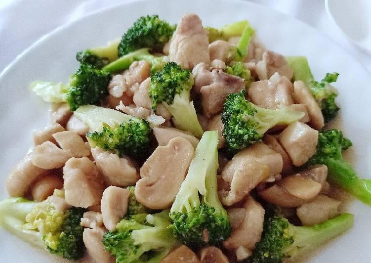 Brokoli Tumis Ayam Jamur