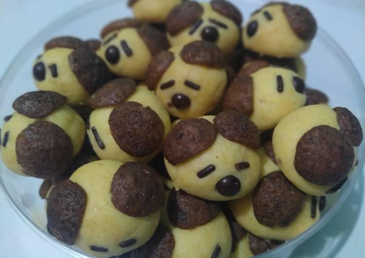 20. Doggie Cookies - cookandrecipe.com