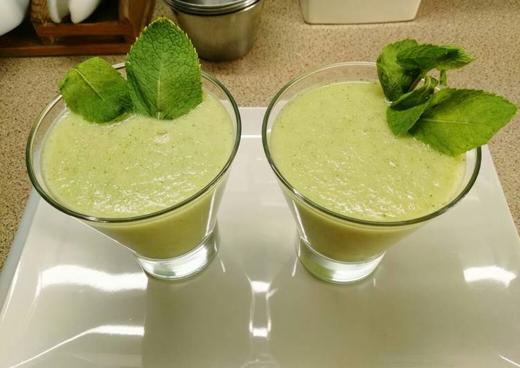Sopa fría verde