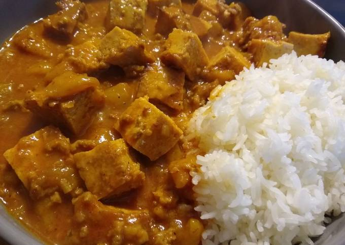 Red Curry with Mango Beef & Tofu