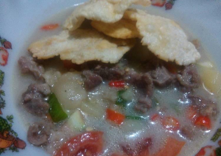 Soto daging sapi kuah susu