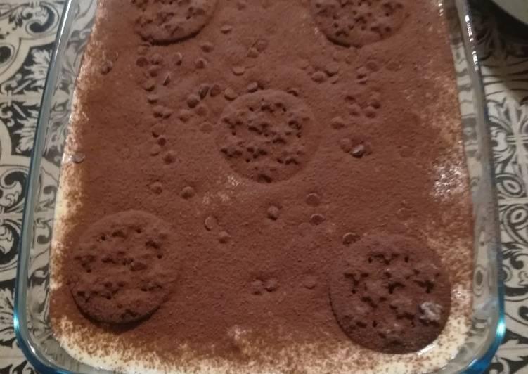 Tiramisù con biscotti al cioccolato